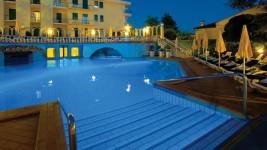 piscina esterna 2